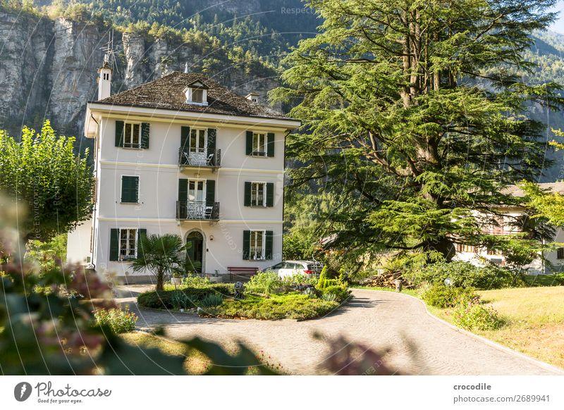 # 749 Italien Alpen Bed and Breakfast Hotel alt historisch Morgen Felsen Farbfoto Vordergrund Schönes Wetter ruhig friedlich Erholung Ferien & Urlaub & Reisen
