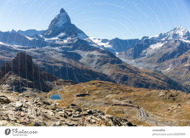 #771 Schweiz Matterhorn Wahrzeichen Berge u. Gebirge Dorf wandern Mountainbike Trail Wege & Pfade Farbfoto weiches Licht Gipfel Wiese friedlich Schnee Gletscher
