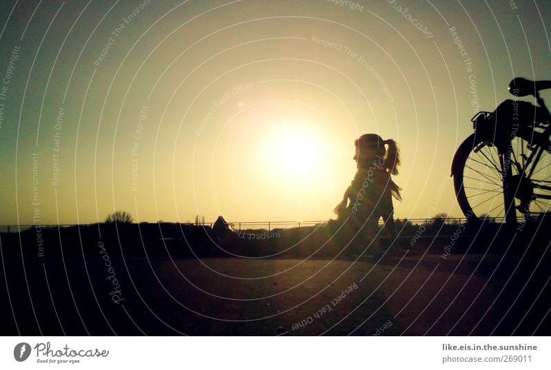 chillax harmonisch Wohlgefühl Zufriedenheit Erholung ruhig Freiheit Sommer Sonne Mensch Junge Frau Jugendliche Erwachsene 1 Sonnenaufgang Sonnenuntergang