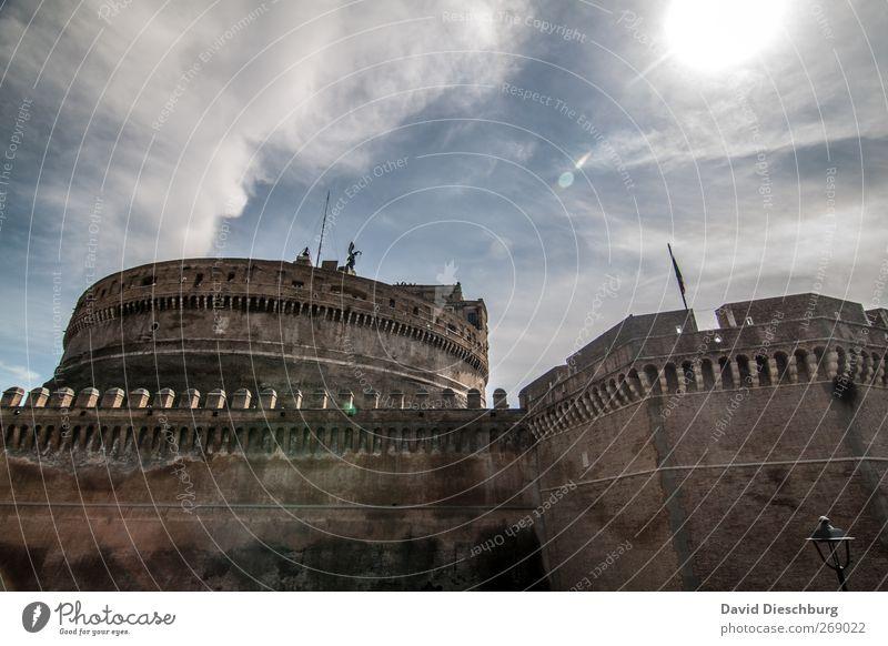 Rom/Engelsburg Himmel alt Ferien & Urlaub & Reisen weiß Sonne Sommer Wolken Wand Mauer Stein braun Fassade Schönes Wetter Italien Bauwerk Burg oder Schloss