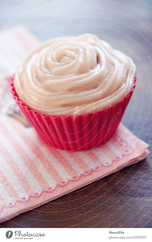 Joy. Lebensmittel Dessert Süßwaren Ernährung süß rosa Cupcake Törtchen Serviette Farbfoto Innenaufnahme Menschenleer Textfreiraum unten Tag Vogelperspektive