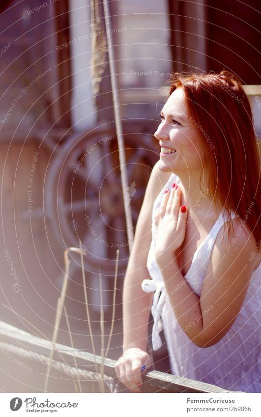 ... eine Bootsfahrt, die ist schön! Mensch Frau Natur Jugendliche Hand weiß Freude Erwachsene feminin Bewegung lachen Junge Frau Stil Wasserfahrzeug