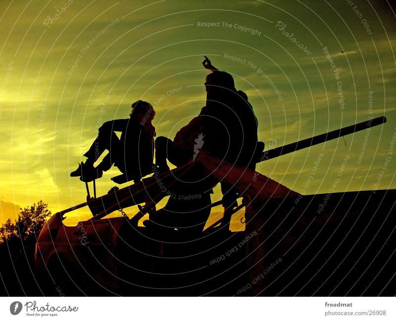 Lichtblicke Sonnenuntergang Kanonen Sommer Abendsonne Zeigefinger faszinierend Silhouette Romantik Freundschaft himmlisch gemütlich Physik lau hocken Besucher