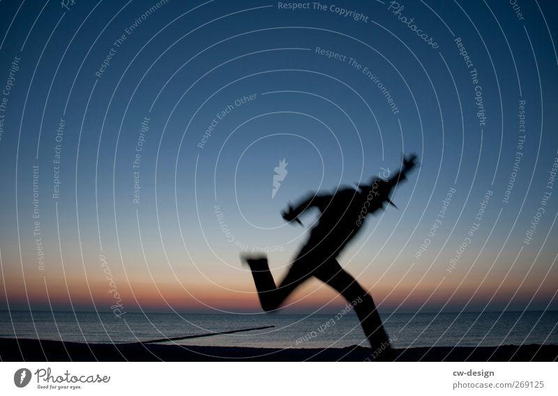 Jetzt schnell. Mensch Mann Natur Jugendliche blau Strand Freude schwarz Erwachsene Landschaft Leben Freiheit Küste Glück springen Stil