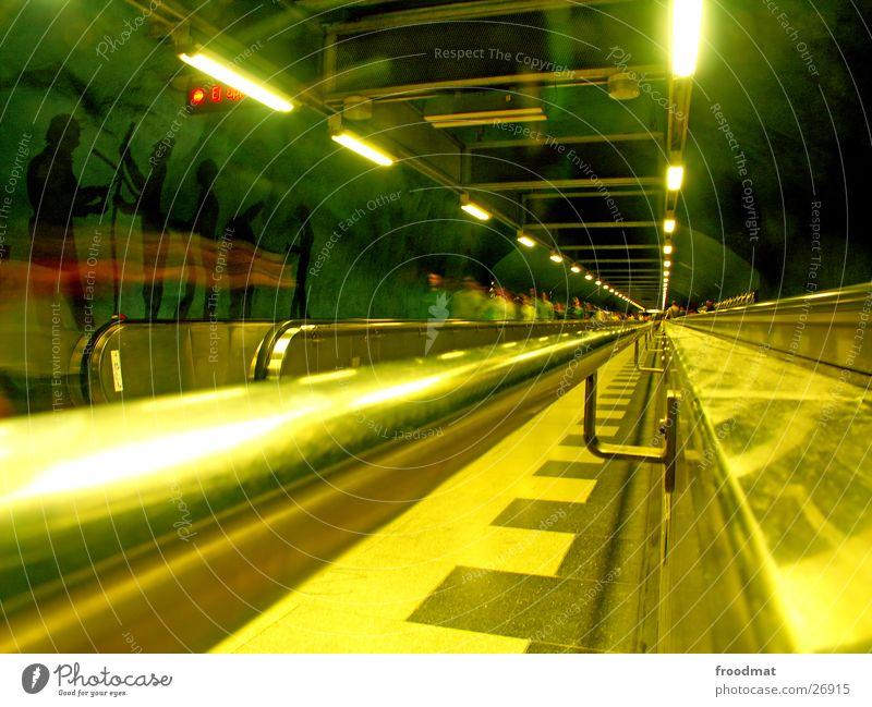 Stockholm - unten grün gelb gold Europa Treppe modern U-Bahn Gemälde tief Geländer Surrealismus Schweden London Underground Futurismus Rolltreppe England