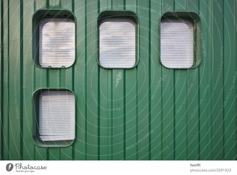 greenbox Hafenstadt Menschenleer Fassade Fenster Metall Streifen eckig gut positiv rund grün Kraft elegant Jalousie Rollo verhangen Container aufgeräumt gerade
