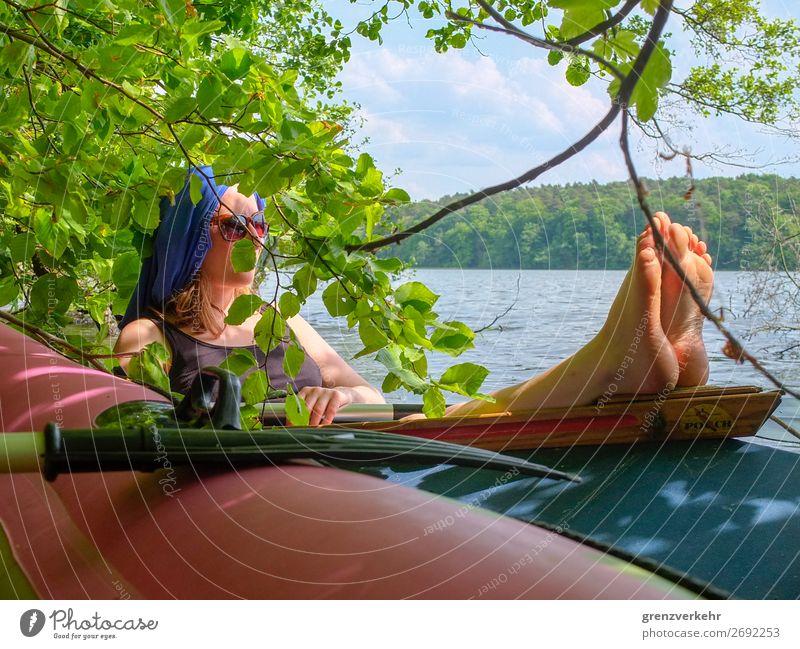 Bootzeit Freizeit & Hobby Wasserfahrzeug Bootsfahrt Faltboot Ferien & Urlaub & Reisen Sommer Sommerurlaub Sonnenbad Paddel Paddeln Mensch feminin Frau