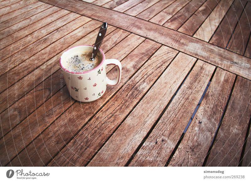 guter kaffee Frühstück Kaffeetrinken Getränk Heißgetränk Tasse Löffel Erholung genießen Sinnesorgane Kaffeetasse heiß lecker Genusssucht Holztisch Blumenmuster
