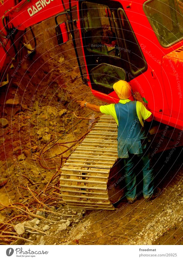 Bautrupp Helsinki #3 Erde dreckig Sicherheit Baustelle Dienstleistungsgewerbe zeigen Arbeiter Kette Konstruktion sortieren Bauarbeiter Helm Finnland Fortschritt Bagger Baumaschine