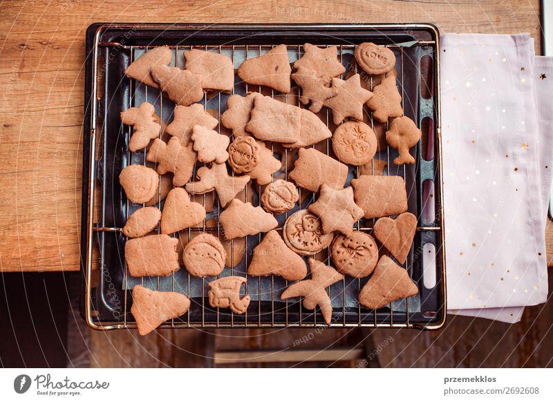 Weihnachten & Advent Gesundheit Lebensmittel Feste & Feiern oben frisch Tisch Herz authentisch Küche Backwaren Süßwaren Kuchen Tradition Frost gut