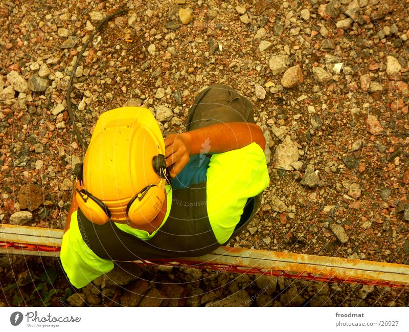 Bautrupp Helsinki #5 Bauarbeiter Sicherheit Finnland Helm Baustelle Warnfarbe Konstruktion Bagger Handy Telefon Kopfhörer Ohrschützer Krach Vogelperspektive
