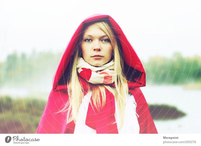 Mensch Jugendliche weiß grün schön rot Farbe Erwachsene feminin Kopf Stimmung blond Junge Frau elegant natürlich 18-30 Jahre