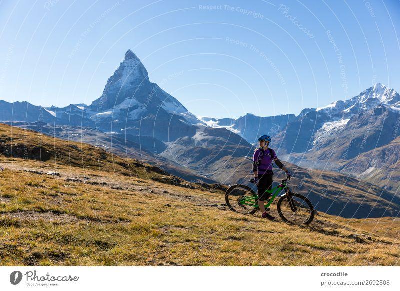 #776 Schweiz Matterhorn Wahrzeichen Berge u. Gebirge Dorf wandern Mountainbike Trail Wege & Pfade Farbfoto weiches Licht Gipfel Wiese friedlich Schnee Gletscher