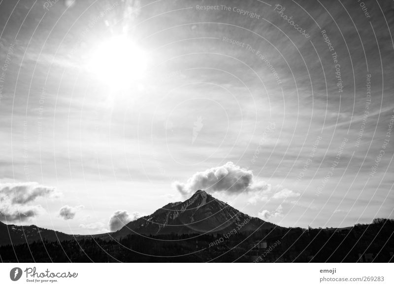 bw Umwelt Natur Landschaft Himmel Sonne Klima Wetter Schönes Wetter Hügel Berge u. Gebirge Gipfel hell Schwarzweißfoto Außenaufnahme Menschenleer