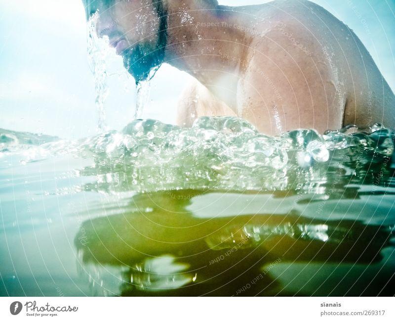 Traufe Mensch Mann Wasser Ferien & Urlaub & Reisen Sommer Erwachsene Gesicht kalt Leben See Schwimmen & Baden Freizeit & Hobby maskulin Wassertropfen Reinigen Tropfen