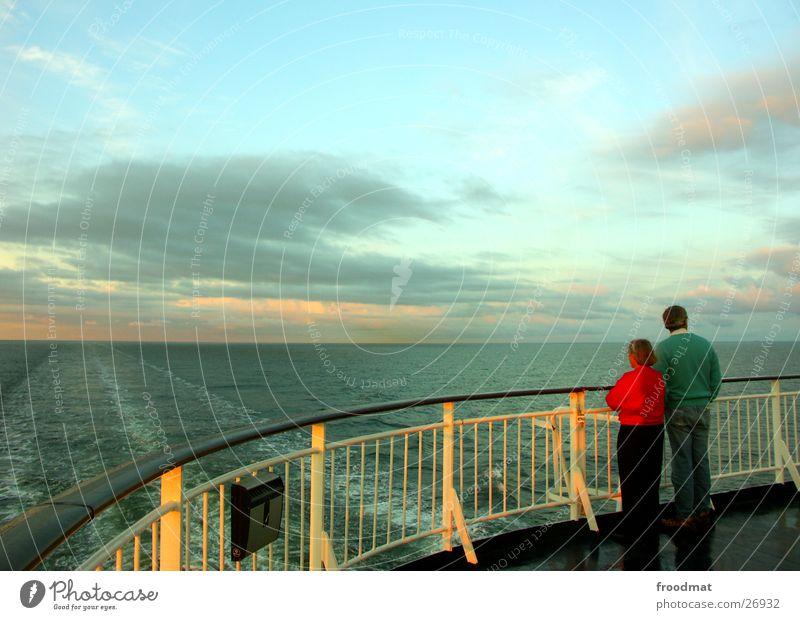 Blickfahrtrichtung Wasser Himmel Meer Wolken Paar Zusammensein Europa paarweise Schweden Ehe Finnland