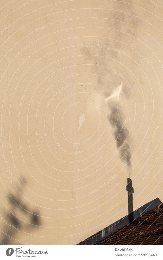 Schatten von rauchenden Schornstein Umwelt Luft Klima Klimawandel Dach Rauchen dreckig Umweltverschmutzung Umweltschutz Luftverschmutzung Abgas Emission