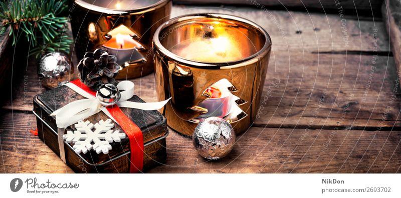 Retro-Weihnachtsschmuck mit Weihnachten Feiertag Leuchter retro Geschenk Kasten Kerze Feuer Dekoration & Verzierung Winter Jahr neu Ornament festlich Kugel