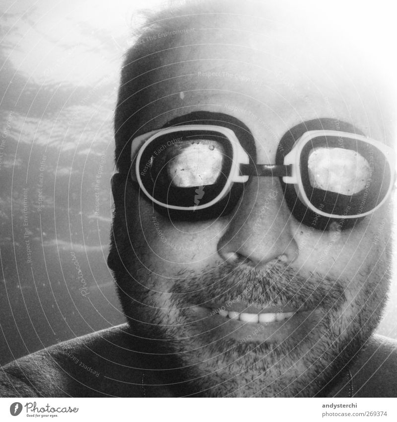 Diiiive Mensch Mann Wasser Erwachsene Gesicht Kopf lachen Schwimmen & Baden Mund maskulin Lächeln einzeln Zähne 45-60 Jahre tauchen Bart