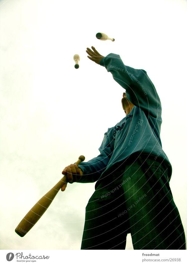 Jon g. Leur #2 Spielen Zufriedenheit elegant gefährlich Vertrauen Risiko sportlich werfen Artist perfekt Keule kegelförmig Geschicklichkeit Beruf jonglieren Jongleur