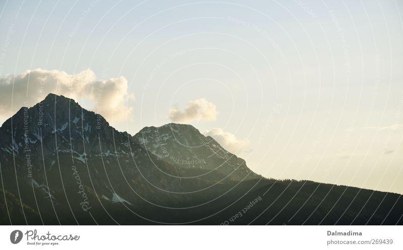 Bergblick Himmel Natur Ferien & Urlaub & Reisen Einsamkeit Wolken Umwelt Landschaft Berge u. Gebirge Herbst Frühling Stein Stimmung Klima Alpen Gipfel Klettern
