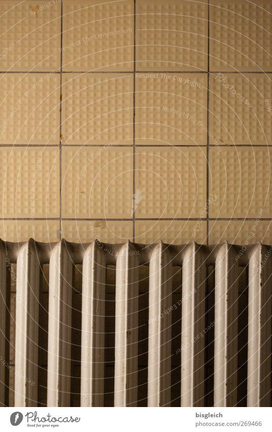 maroder Charme alt gelb Wand Mauer Metall braun Energiewirtschaft verfallen Fliesen u. Kacheln Verfall Heizkörper Energiekrise