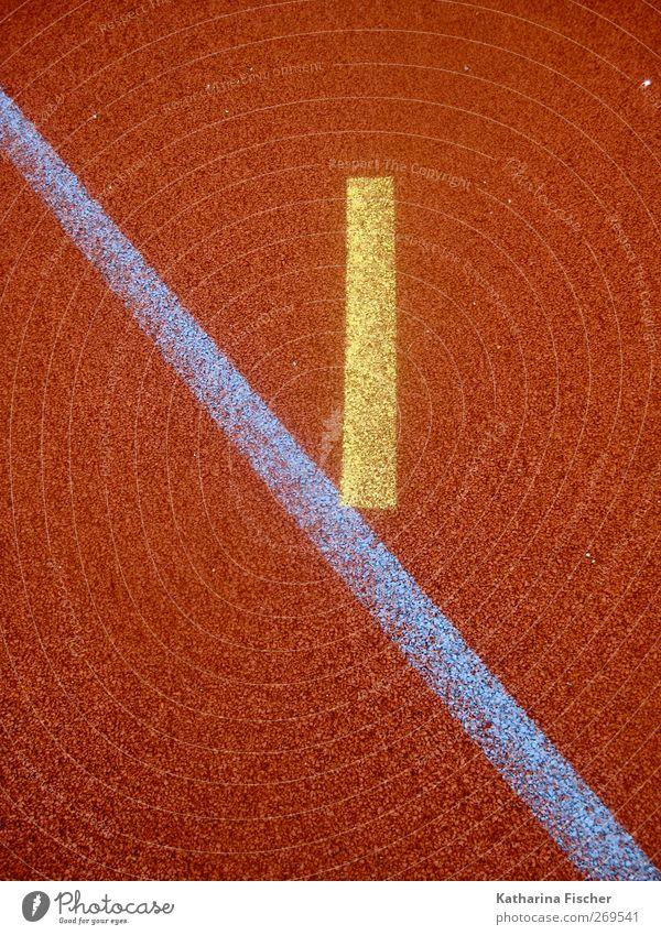 Blau berührt Gelb auf Rot Zeichen Linie Streifen blau gelb rot Sportplatz Spielfeld Handball Diagonale Strich Strichlinie Boden Belag graphisch Spielplatz