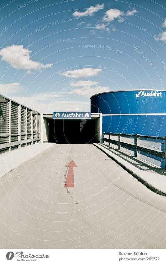 tschüssi 26. Straße Wand Architektur Wege & Pfade Mauer hoch Hochhaus Brücke Pfeil Verkehrswege Tunnel Autofahren Parkhaus Ausfahrt