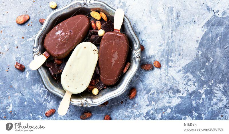 sommerliches Schokoladeneis Eisbecher Eiscreme süß Dessert gefroren kalt Sahne Speiseeis Kakao Kaffee kleben Trüffel Nut Sommer Textfreiraum Geschmack Vanille