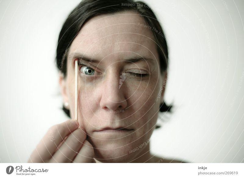 facelift Gesicht Spielen Bildung Erwachsenenbildung Frau Leben Auge Frauengesicht 1 Mensch 30-45 Jahre schwarzhaarig beobachten festhalten Kommunizieren Blick