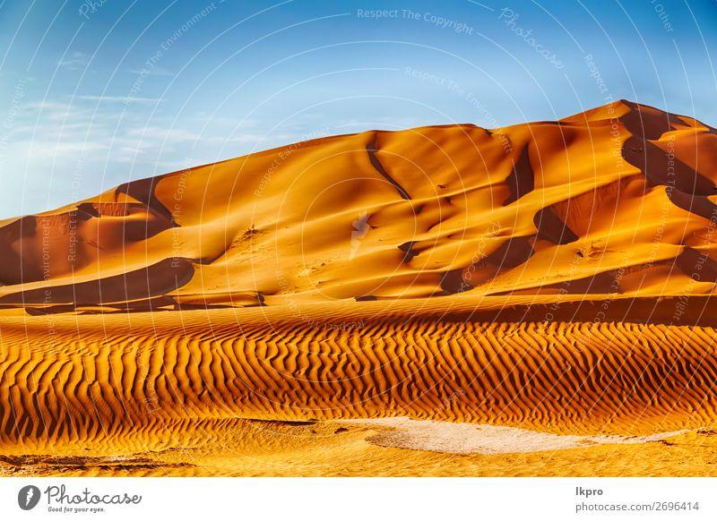 in der omanischen alten wüste reiben sie al khali das leere viertel. schön Ferien & Urlaub & Reisen Tourismus Abenteuer Safari Sommer Sonne Natur Landschaft