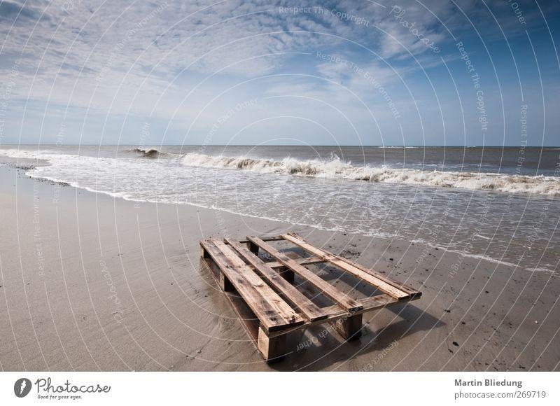 Strandgut#1 blau Wasser weiß Ferien & Urlaub & Reisen Meer Ferne Landschaft Holz Küste Sand braun Wellen natürlich nass Urelemente