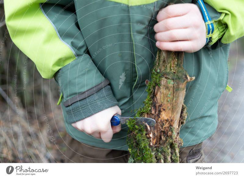 Schnitzmesser Kind Mädchen Junge Kindheit 1 Mensch machen Freundlichkeit Fröhlichkeit frisch Gesundheit Neugier grün dankbar achtsam Ast Wald schneiden Messer