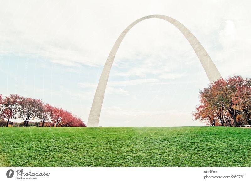 Ohne Pfeil, mit Bogen Himmel Wolken Herbst Schönes Wetter Baum Park Wiese USA Stadt Skyline Sehenswürdigkeit Wahrzeichen historisch hoch Farbfoto mehrfarbig