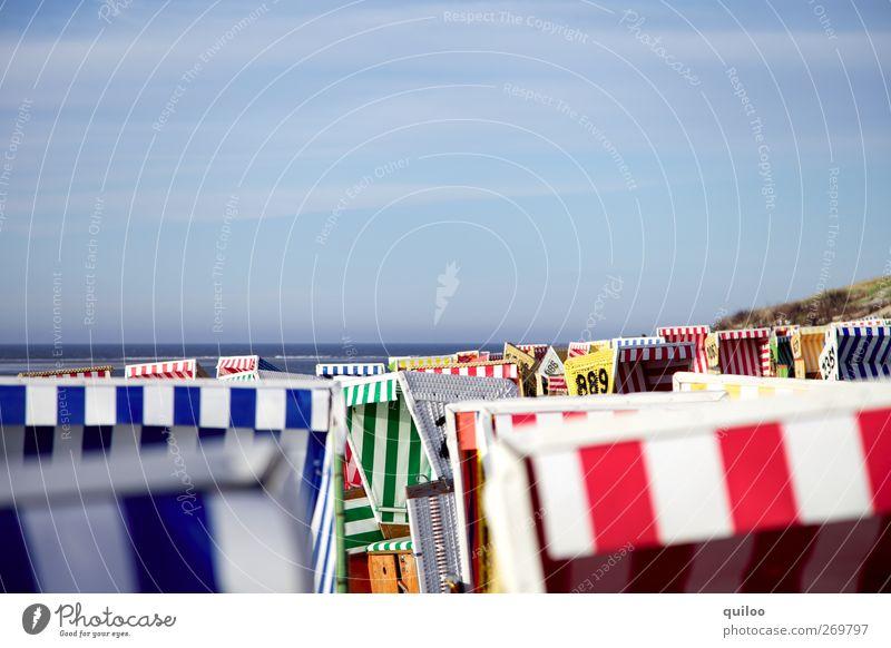 Über den Dächern Himmel blau Ferien & Urlaub & Reisen rot Sonne Sommer Meer Strand Erholung oben Schwimmen & Baden Freizeit & Hobby Ordnung Insel Tourismus