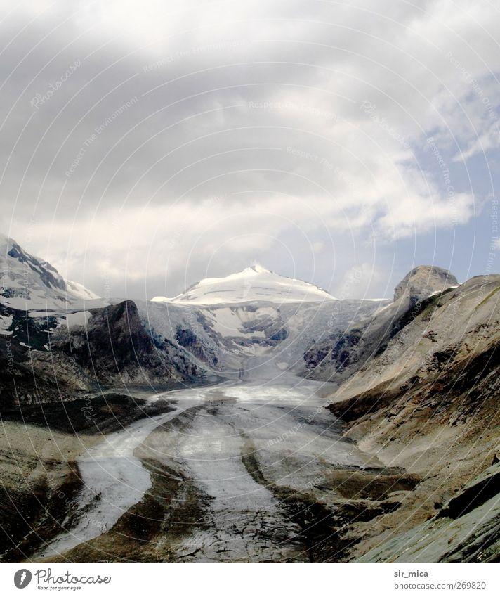 Am Gletscher Himmel blau weiß Landschaft Berge u. Gebirge Schneefall braun dreckig Alpen Schneebedeckte Gipfel Sehenswürdigkeit Österreich Schlucht Tal Klimawandel Gletscher