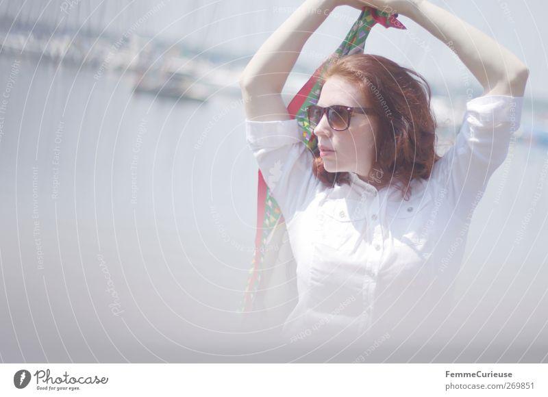 Sail away... Mensch Frau Jugendliche Sonne Sommer Erwachsene Erholung Bewegung Stil Junge Frau Freizeit & Hobby Arme elegant 18-30 Jahre Lifestyle Hafen