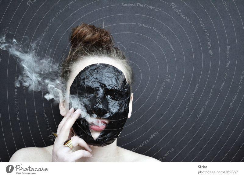 rauchiges Maskenspiel Design Haare & Frisuren Haut Gesicht Rauchen feminin Junge Frau Jugendliche Kopf dunkel schwarz Farbfoto Außenaufnahme Experiment
