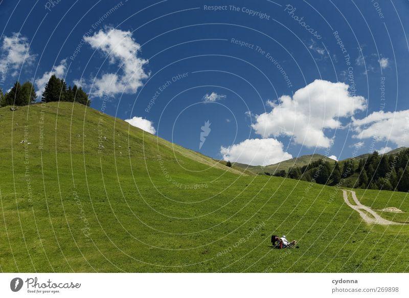 Der richtige Platz Mensch Himmel Natur Ferien & Urlaub & Reisen Sommer ruhig Erholung Umwelt Landschaft Wiese Berge u. Gebirge Leben Freiheit Wege & Pfade