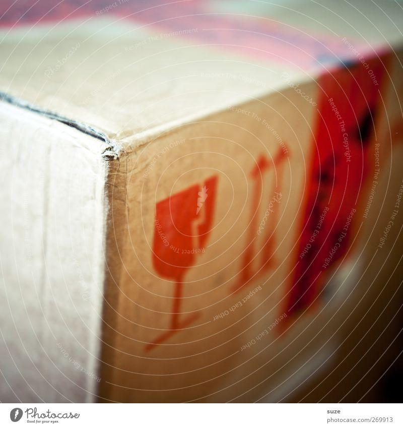 Pappa ante Portas rot Glas Schriftzeichen Hinweisschild Ecke einfach Schutz Umzug (Wohnungswechsel) Pfeil Warnhinweis Karton Kiste Etikett Verpackung