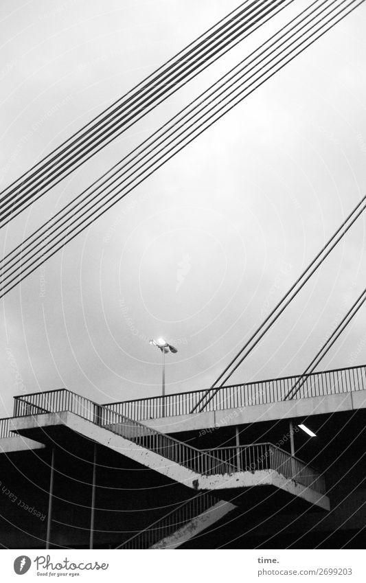 Lightshow Ludwigshafen Brücke Bauwerk Architektur Treppe Treppengeländer Unterführung Straßenbeleuchtung Stahlkabel Verkehr Verkehrswege Personenverkehr