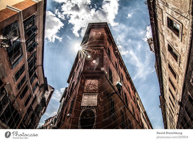 Rom/Altstadt Städtereise Himmel Wolken Schönes Wetter Italien Europa Hauptstadt Stadtzentrum Sehenswürdigkeit braun Fenster alt Fassade HDR Farbfoto