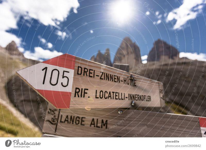 # 794 Drei Zinnen Dolomiten Sextener Dolomiten Weltkulturerbe Hochebene Farbfoto wandern Fußweg Gipfel Bergsteigen Alpen Berge u. Gebirge Schönes Wetter Wiese