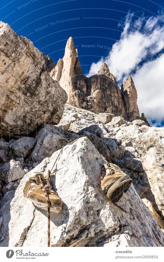 # 800 Drei Zinnen Dolomiten Sextener Dolomiten Weltkulturerbe Hochebene Farbfoto wandern Fußweg Gipfel Bergsteigen Alpen Berge u. Gebirge Schönes Wetter Wiese