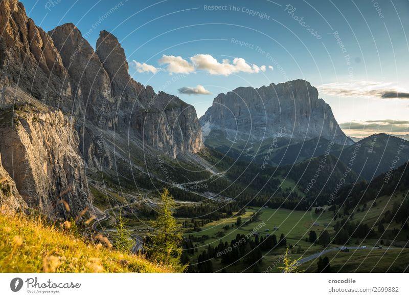 Grödenerjoch mit Blick zum Langkofel Grödener Joch Berge u. Gebirge Dolomiten Südtirol Bergstraße roadtrip Sonnenuntergang Idylle Sommerurlaub wandern