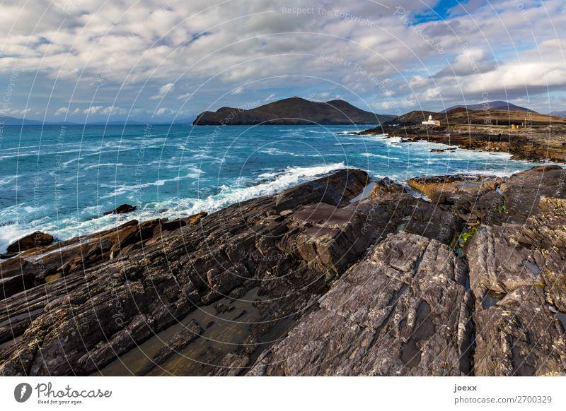 Dicke Haut Himmel Natur alt Sommer blau Wasser weiß Meer Wolken braun Felsen Horizont Wellen Insel Schönes Wetter historisch