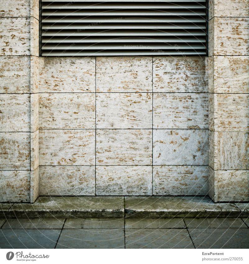 Zentrale Stadt Menschenleer Haus Architektur Mauer Wand Fassade Stein Beton Metall braun grau Berlin Plattenbau Lüftungsschlitz Linie Quadrat Farbfoto
