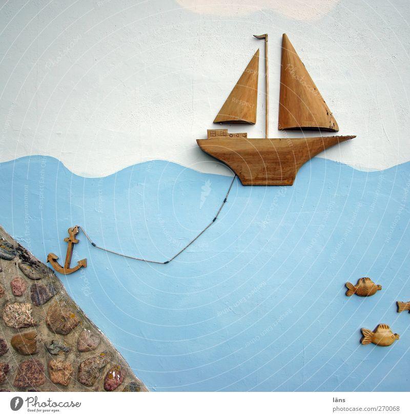 Hiddensee | Anker lichten - wir kommen Schifffahrt Bootsfahrt Jacht Segelschiff Stein Holz blau braun weiß Wasserfahrzeug Segeln Segelboot graphisch
