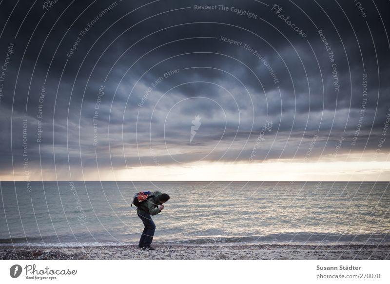 Hiddensee l Butterbemmenflitschen Mensch Mann Natur Wasser Meer Strand Erwachsene Frühling Küste Sand Körper Wellen Wind einzeln Ostsee Sturm