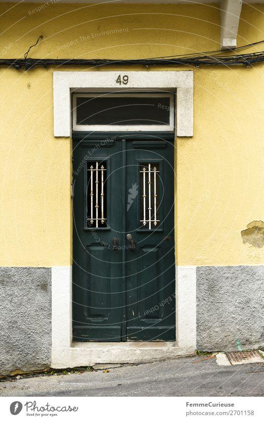 Door in Portugal Ferien & Urlaub & Reisen grün Haus Reisefotografie gelb Häusliches Leben Tür Lissabon